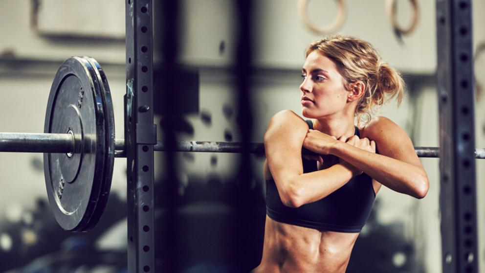Photo of Beneficios de salud y riesgos del entrenamiento con pesas para mayores de 50 años