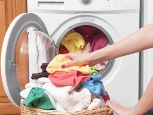 ¿Cómo quitar el hedor de la ropa después de correr?
