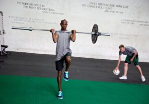 ¿El entrenamiento con pesas realmente ayuda a los atletas de resistencia?