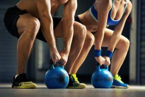 Mancuernas o Kettlebells: ¿Cuál es un mejor entrenamiento?