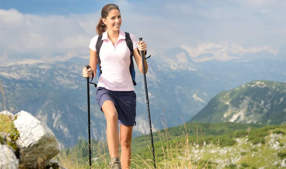 Photo of Métodos de marcha nórdica y de ejercicio físico con bastón