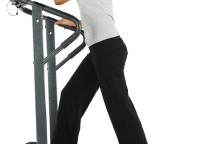 Photo of Por qué puede que no estés quemando tantas calorías como dice la cinta de correr