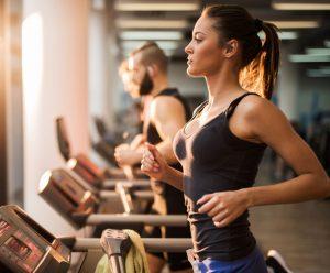 Pros y contras de ejercitarse el día antes de una carrera