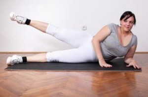 Usar una pelota de ejercicio si tiene sobrepeso o es obeso
