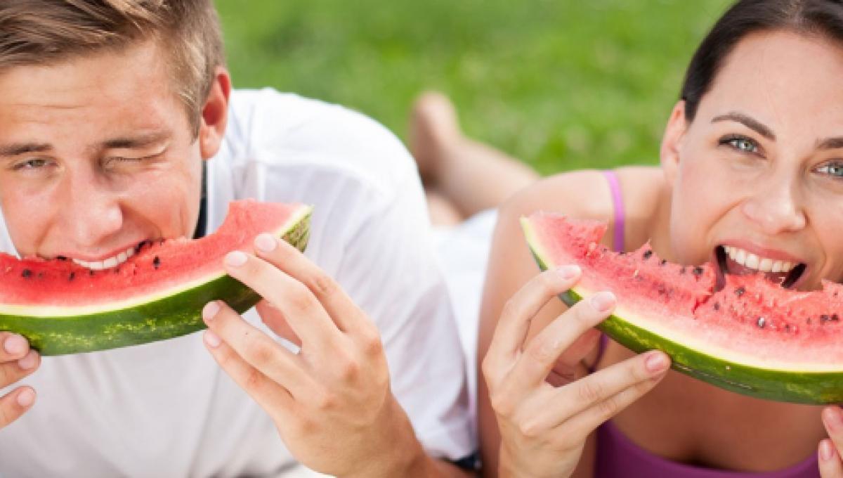 Photo of Alimentos que te mantendrán hidratado en el calor