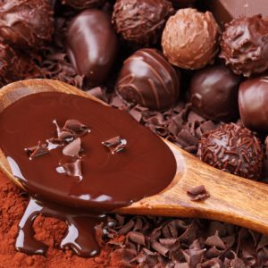 ¿Añadir chocolate a tu dieta puede ayudar a perder peso?