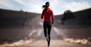 Caminar puede ayudar con la depresión y aumentar la agudeza mental