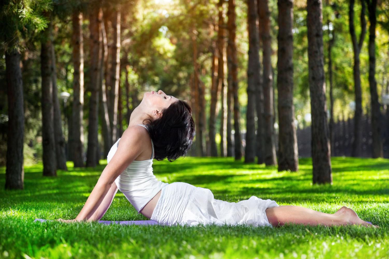 Photo of Cómo el yoga restaurador puede ayudarte a relajarte y rejuvenecerte