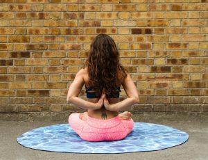 Cómo empezar a hacer yoga cuando tienes un cuerpo más grande