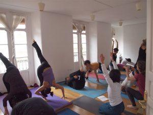 Encontrar un buen profesor para tu viaje de yoga