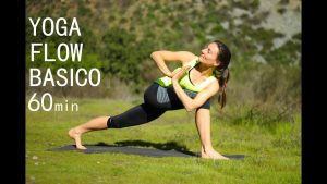 La historia y la metodología del Jivamukti Yoga