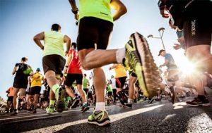 Llegar a la meta en el día de la carrera de maratón