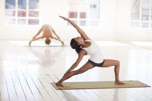 Los hombres no deberían tener miedo de empezar una práctica de yoga