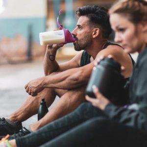 Mejorar la síntesis muscular mientras duermes con un batido de proteínas