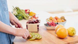 ¿Realmente puedes tener una dieta saludable comiendo sólo fruta?