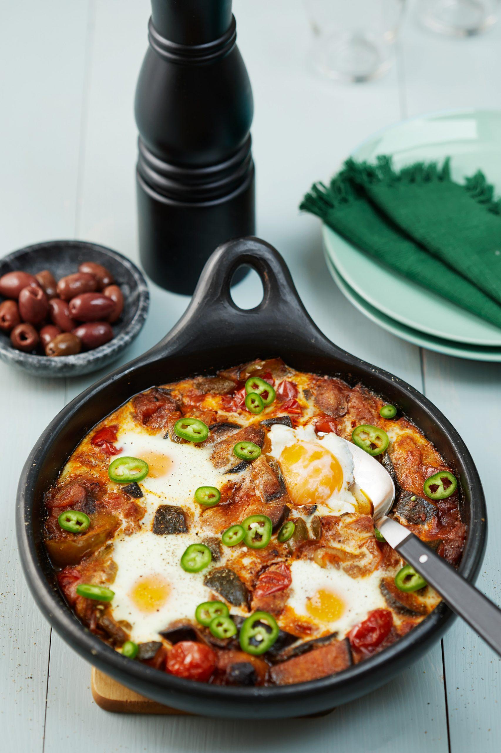 Photo of Receta de Ratatouille vegetariano bajo en huevos fritos.