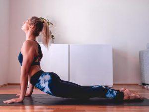 Usar una cerradura de dedo del pie de Yogi para una mejor postura en el yoga