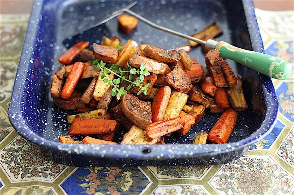 Photo of Vegetales de raíz dulce y picante asados con arce