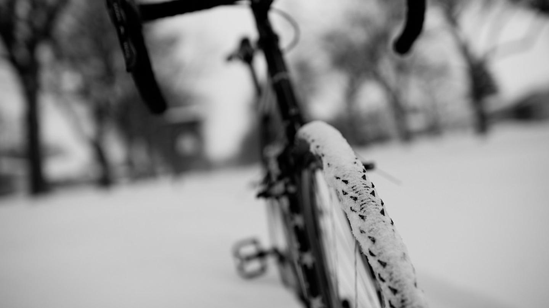 Photo of Entrenamiento de ciclismo de invierno: Ciclo indoor vs Turbo Trainer